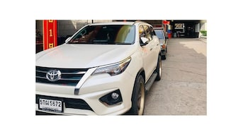 Bangkok-Hua Hin/Khao Yai Rent Car (English Speaking Driver)