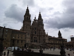 Santiago de Compostela Private Tour - Cathedral & Hull