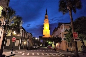 Charleston's Pleasing Terrors Night-Time Walking Ghost Tour