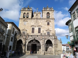 Guimarães and Braga Private Tour - Shrines & Monasteries
