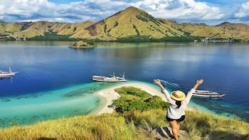 3 Day Komodo Sail on Board with Phinisi Boat – Join Trip