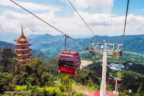 Genting Highlands with Batu Caves, Strawberry Park & Lunch