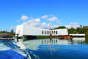 Maui to Oahu: Day at Pearl Harbor/Beyond the Call to Duty