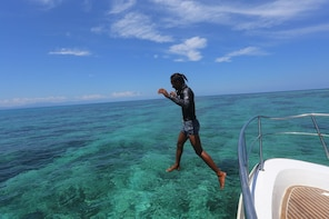 Malaysia Sabah Mantanani Island [Water House Resort]