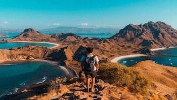 1 Day Komodo Archipelago Sail on Board and Snorkeling Tour