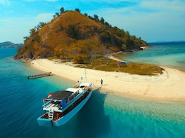 2 Days Private Liveaboard Komodo Tour with Flight from Bali