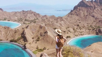 Private 4 Day Sailing Komodo with Phinisi & Snorkeling Tour