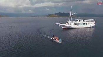 Private 4 Day Sailing Komodo with Regular Boat & Snorkeling