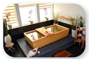 W Suite Japanese Soaking Tub