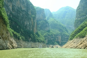 4 Days Yangtze River Cruise with Three Gorges Dam