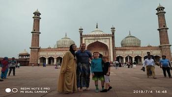 Owner Led Heritage,Culture Walk to Old Delhi & Tuk-Tuk Ride