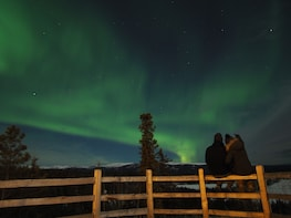AURORA HUNTING - Northern Lights from various perspectives