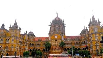 Gothic & Art Deco Story of Mumbai, an architecture walk