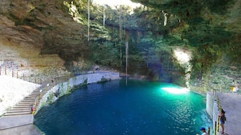 Chichén Itzá Basic, Hubiku Cenote & Valladolid Tour