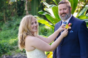 Destination Wedding on the Big island with Pro Photos!