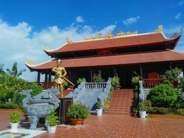 Nguyen Trung Truc Temple_10.JPG
