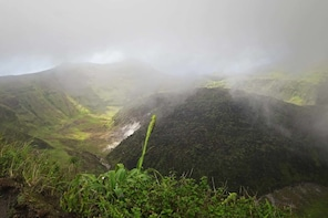HIKE TO THE LA SOUFRIERE VOLCANO