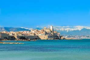 Cannes, Antibes & St Paul de Vence Private Half-Day Tour