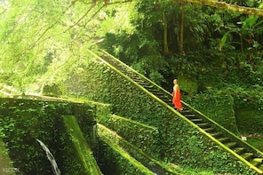 Bali Mengening Water Temple + Hot Spring Day Tour