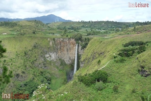Sipisopiso Waterfall Full Day Excursion - Seat in Coach