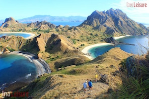 Padar Island Trekking Excursion - Seat in Coach