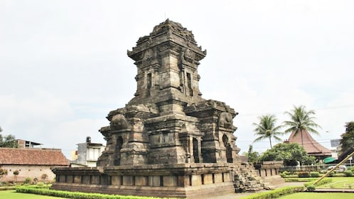 IA_SMAILINGBALI_singosari temple_3950bd00-ced2-4f9f-a55e-2cac21b7d47e.jpg