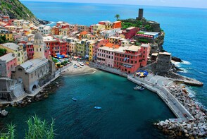 Semi Private Cinque Terre and Pisa Leaning Tower Tour