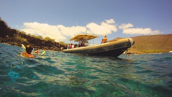 Lanai Landing Adventure (6.5 hour Snorkel tour with Landing)
