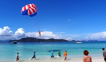 Coral Island Half-day Tour from Pattaya with Parasailing