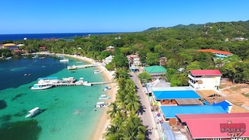 Roatan Buccaneer All Inclusive Beach Club Day Pass Excursion