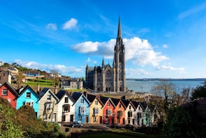 Cóbh, Blarney Castle and Queenstown Titanic Rail Tour