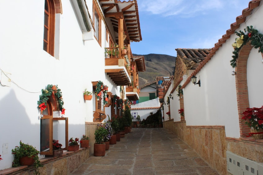 Show item 4 of 5. Villa de leyva - Group and daily tour