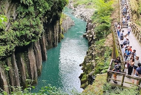 Takachiho Gorge full day private tour