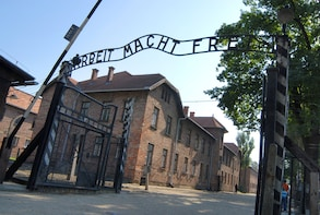From Wroclaw: Auschwitz-Birkenau Full-Day Guided Tour