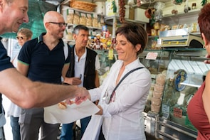 Small-group Street food tour in Lake Garda