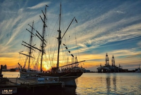 Historic Ports, Pirates and Architecture Tour