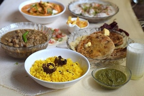 Home based Cooking and Dining Experience with a Local in Mumbai