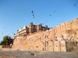 Visit Junagadh Fort and explore the local bazaar-Bikaner