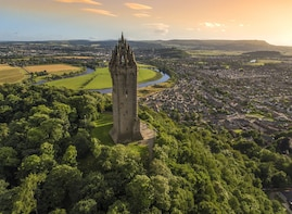 Wallace Monument, Stirling Castle,Linlithgow palace Day Trip