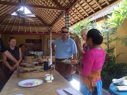Bali Home Cooking Class with Hotel Transfer