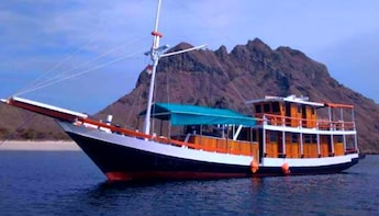 Private 3 Days Standard Boat Tour Komodo Island Labuan Bajo