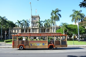 4 Day All Line Hop on Hop off Waikiki Trolley pass