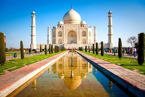 Day Trip to The Taj Mahal Agra from Pune with Return Flights