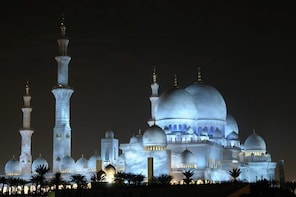 Half Day Abu Dhabi City Tour & Evening Desert Safari with BBQ Dinner