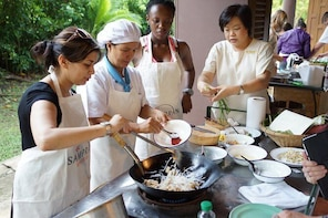 Traditional Thai Cooking Class in Nakhon Pathom