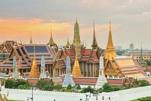 Small Group Grand Palace and Emerald Buddha Temple Tour