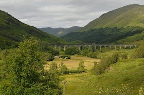 Glasgow/Edinburgh West Highlands & Glenfinnan Viaduct Private Tour