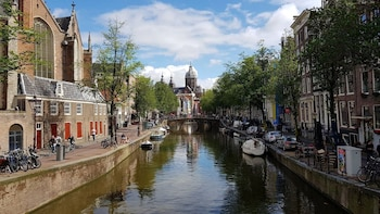 3-Day Amsterdam and Bruges Tour from Cambridge