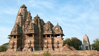 Tour of Khajuraho temples
