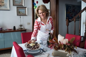 Market tour, lunch or dinner at a Cesarina's home in Treviso